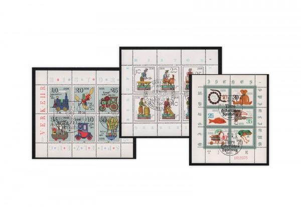 DDR Historisches Holzspielzeug Kleinbogen auf Steckkarte gestempelt