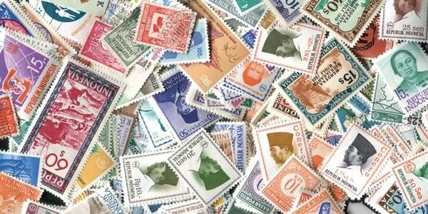 Briefmarken Indonesien 300 verschiede Marken